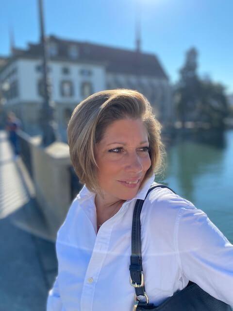 Frau-Sonne-Wasser-Kinderwunsch-ungewollt kinderlos-Abschied-Interview-Ferber